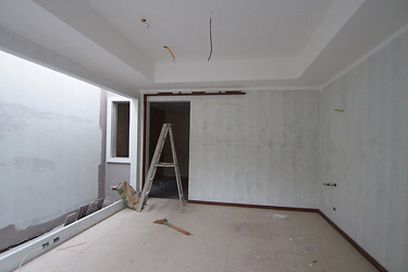 Master bedroom before wall tiling