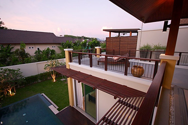 Roof Terrace with Garden and Pool View